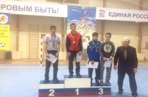 Гигантовский борец Мавлюд Резманов — призёр первенства ЮФО
