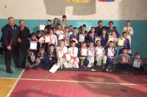 Дзюдоисты Сальского района привезли 28 медалей из Калмыкии