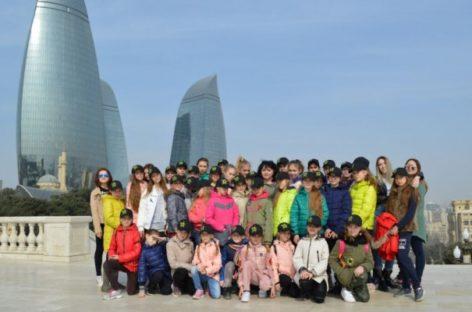 Ансамбль «Дивертисмент» из Сальска покорил Баку своими танцами