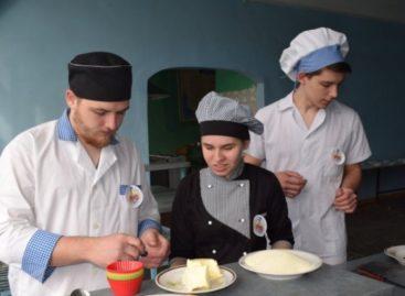 Лучшего повара определили в Сальском индустриальном техникуме