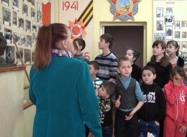 Пришкольные лагеря для детей в Сальске. Сюжет