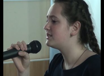 Сальские вокалисты завоевали награды на зональном конкурсе «Весенние голоса». Сюжет