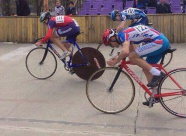 Гигантовец обогнал ростовчан на велотреке