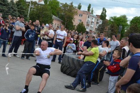 Шоу «Силовой экстрим» пройдет в День Победы на площади Ленина
