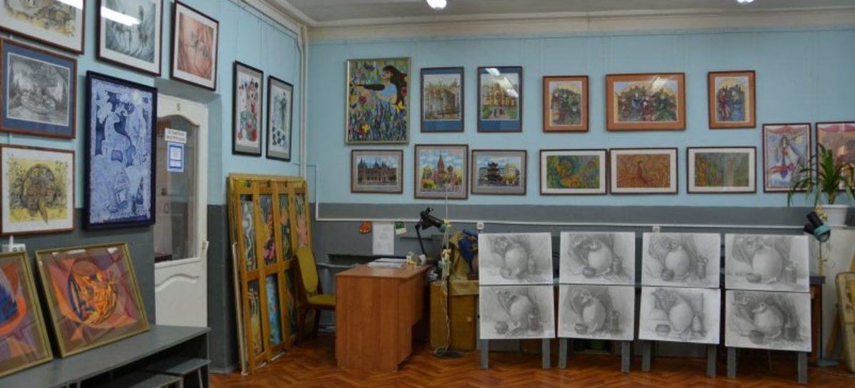 Сальчан приглашают прийти на выпускной в «художку» 27 мая