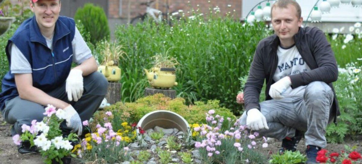 Сальчане прислали заявку с фотографией двора для участия в городском конкурсе