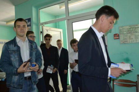 В Сальском районе 230 выпускников успешно сдали ЕГЭ по математике профильного уровня