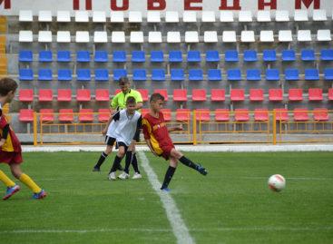 Сальские футболисты вышли в плей-офф областного первенства