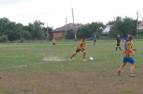 Футбол: подведены итоги шестого тура