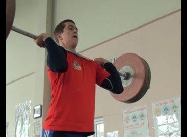 Трое сальчан-тяжелоатлетов готовятся к соревнованиям в Белгороде