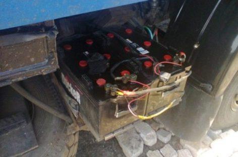 В Сальске украли аккумуляторы с грузовой машины