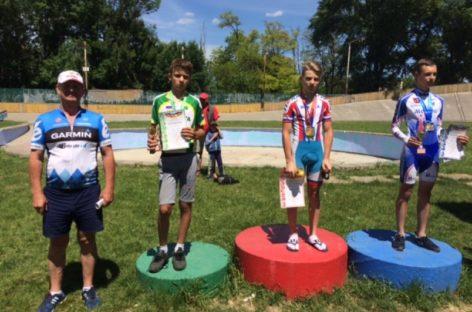 Сальчане – победители первой областной многодневной гонки на треке