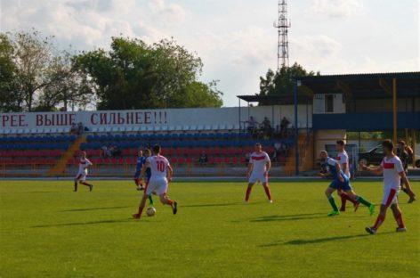 Любителей футбола приглашают поболеть за свои команды 4 июня
