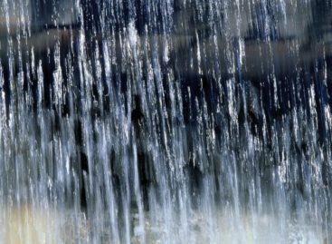 Погода в Сальском районе: на выходных обещают дождь и сильный ветер