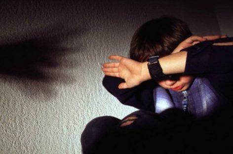 Сальчанка избивала собственного сына
