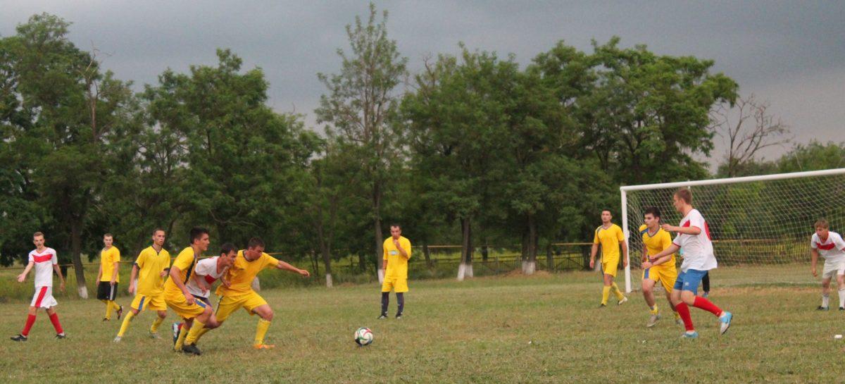Какие футболисты седьмого тура чемпионата района стали лучшими