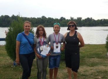 Сальские гребцы успешно выступили в Каменске-Шахтинском