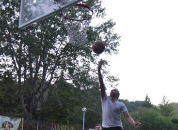 Сальские баскетболисты обыграли нижегородцев