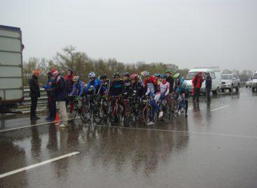 Сальские велосипедисты выступают в Семикаракорске