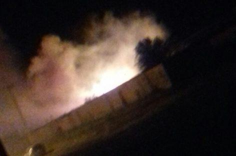 В Сальском районе снова тушили пожар