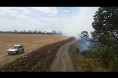 С полудня до самой ночи сальские пожарные боролись с огнём