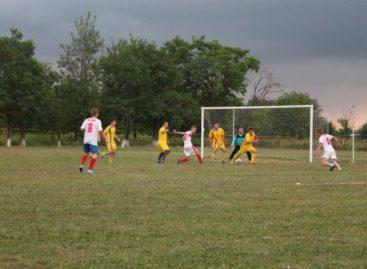 Сальский футбол: старт второго круга