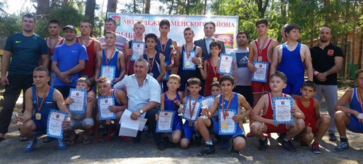 Шесть медалей из Каменска-Шахтинского принесли району борцы