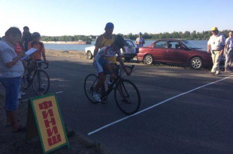 Сальские велосипедисты взяли 8 медалей областного турнира в Семикаракорске