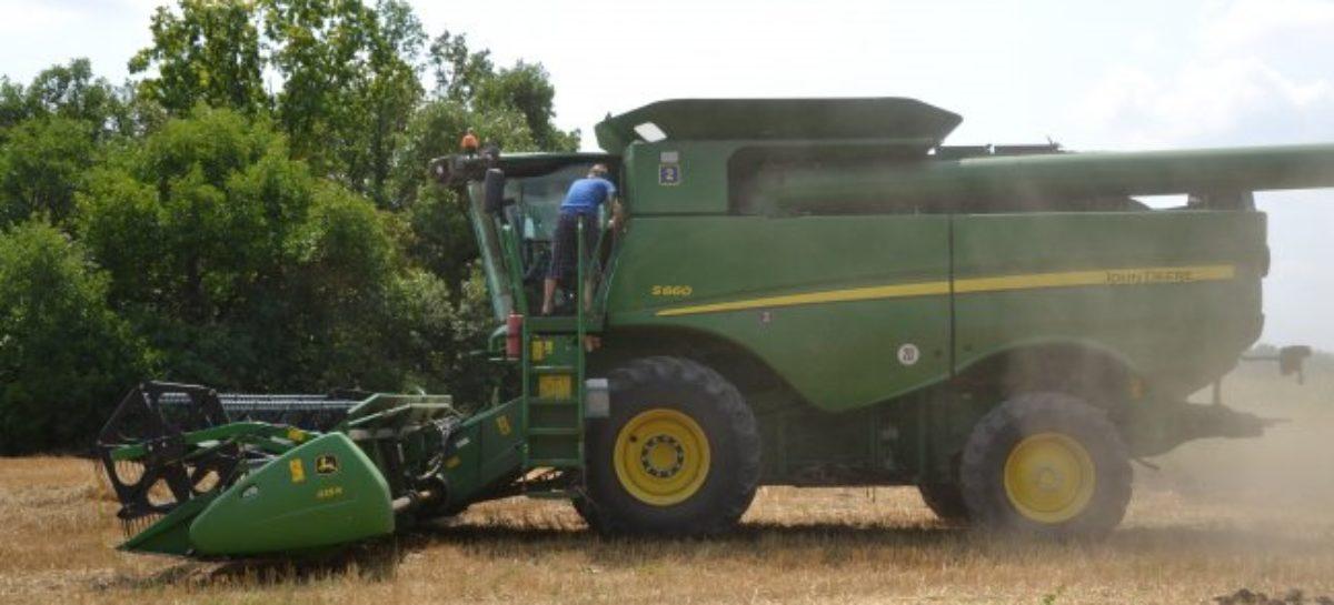 Скидки фермерам закончились: субсидирование на покупку сельхозтехники приостановлено