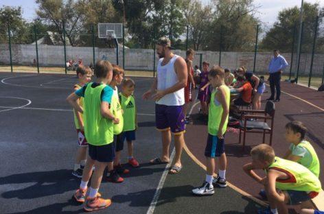 Сальские баскетболисты стали вторыми в Орловке