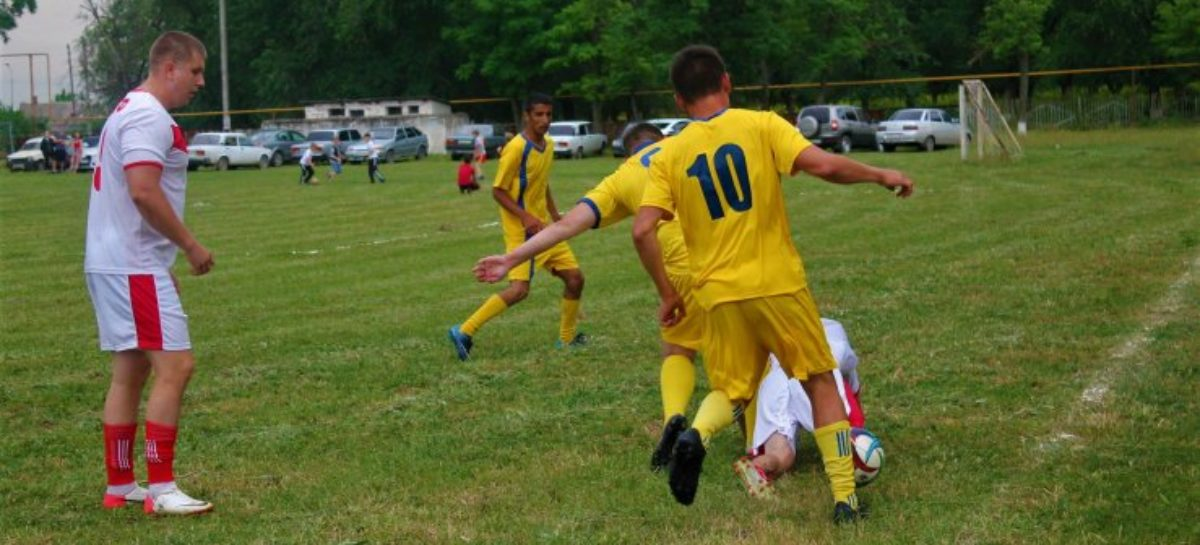 Шесть матчей двенадцатого тура районного чемпионата по футболу пройдут 13 августа