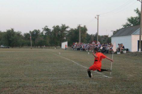 Кубок губернатора: лидирует сальская «Русь»