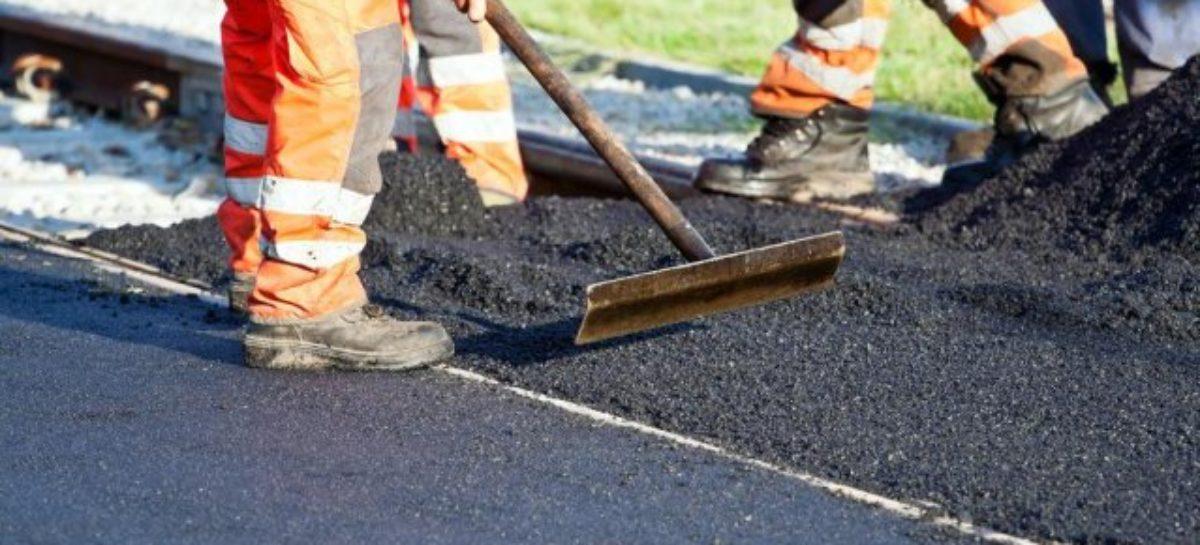 В Сальске с ремонтом дороги на улице Одесской затянули ещё на месяц