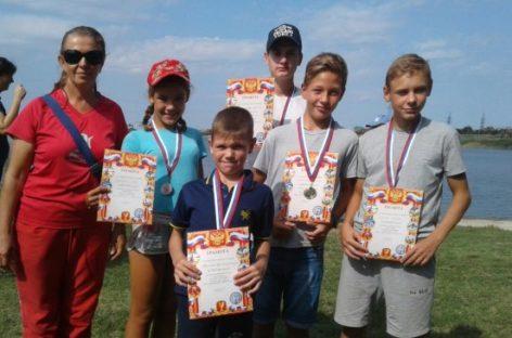 Сальские гребцы успешно выступили на воде Волгодонска