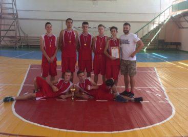 Сальчан приглашают поболеть за баскетболистов 23 сентября