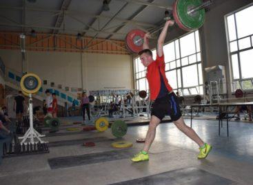 Сальск в третий раз примет областное первенство по тяжелой атлетике