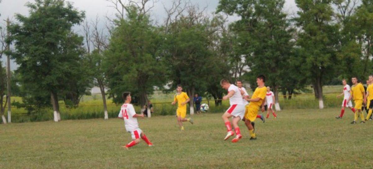 Сальский футбол: изменения в турнирной таблице после 15-го тура