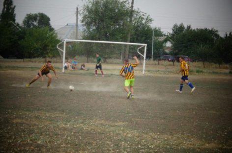 Сальский футбол: «Опёнки» — на вершине рейтинга