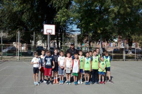 Сальские баскетболисты сыграют в Ростове, Орловском и Кагальницкой