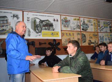 В Сальске 18 призывников будут бесплатно учиться профессии военного водителя