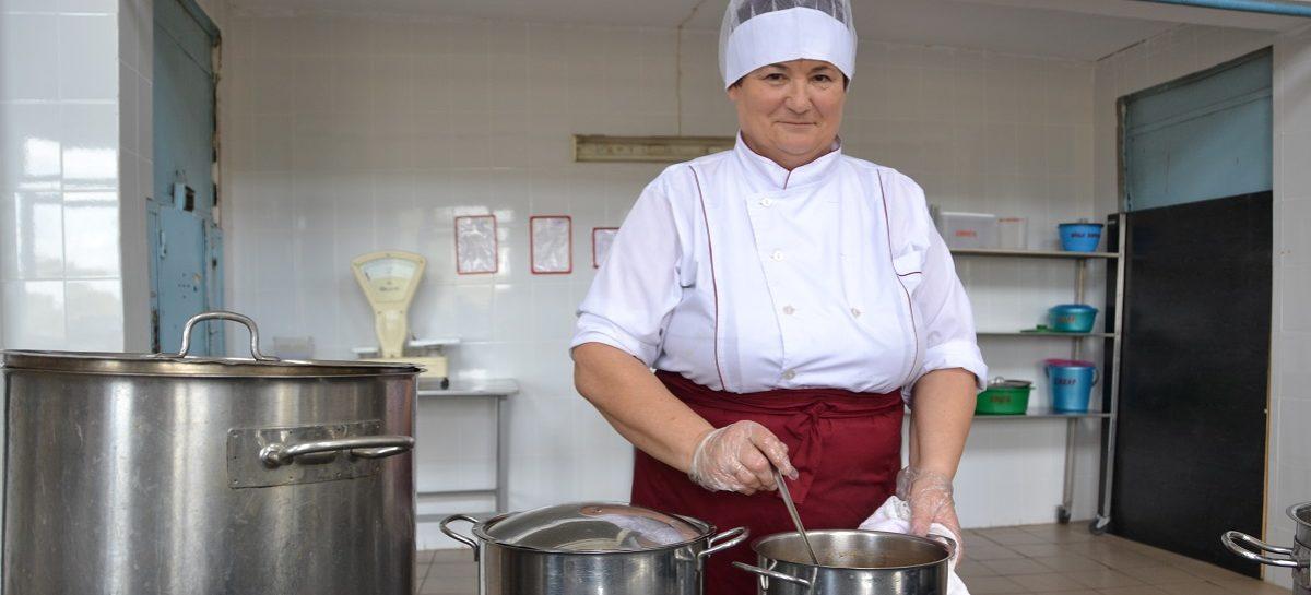 Екатерина Соломаева: с песней – и борщи вкуснее