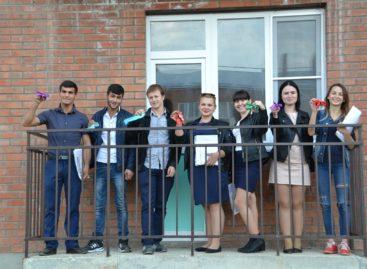 В Сальске ключи от собственных квартир получили 15 новосёлов