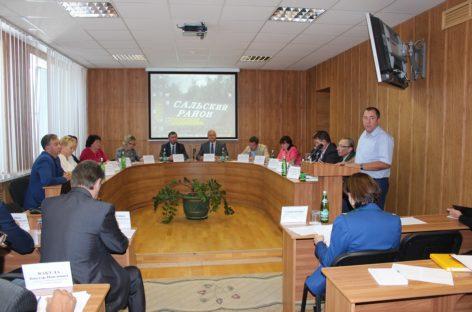 Готовность к отопительному сезону обсудили депутаты Сальского района
