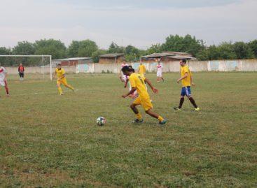 Сальский футбол: «Гигант» напоследок ответил «Опёнкам»