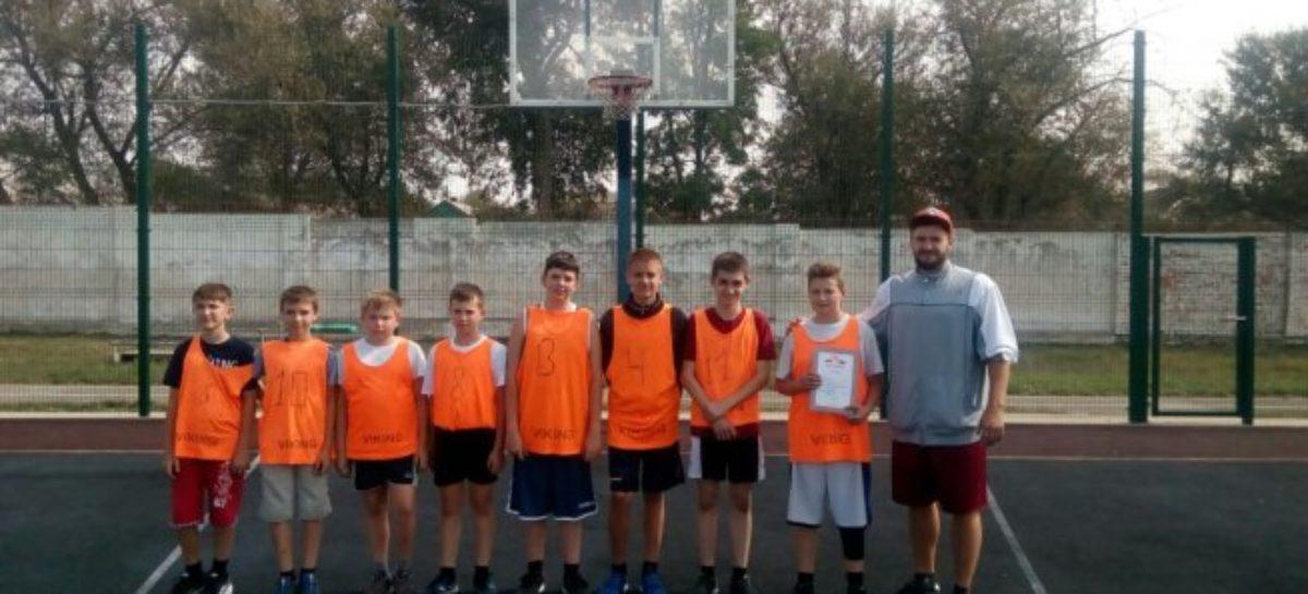 Сальские баскетболисты привезли «бронзу» из Орловского