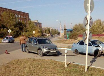 Из-за нарушителя на дороге в Сальске пострадал житель Калмыкии