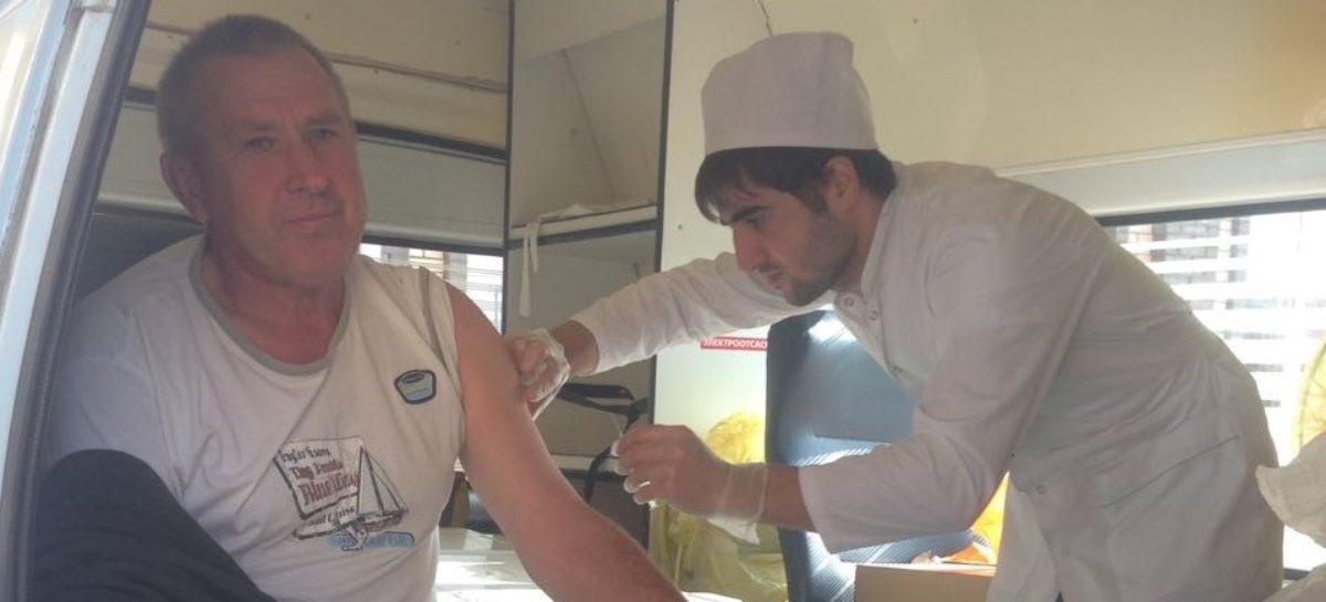 В Сальске, у «Квартала», делают прививки от гриппа