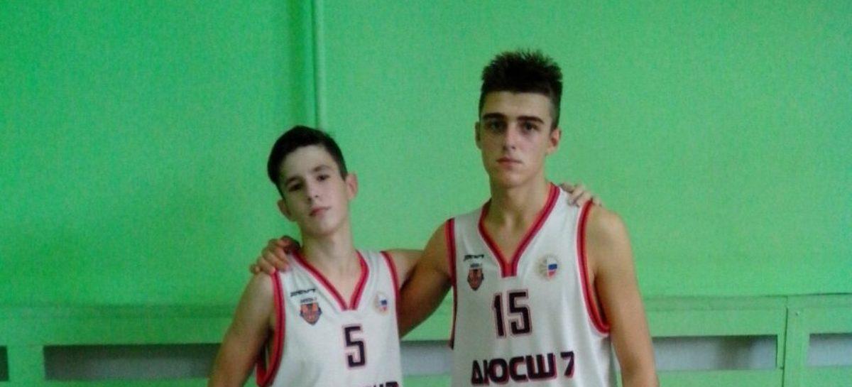 Сальских баскетболистов отметили на областном турнире