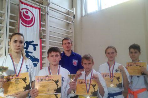 Сальские каратисты киокусинкай завоевали награды в Зверево