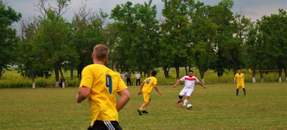 Сальский футбол: определены лучшие команды по итогам 19-го тура